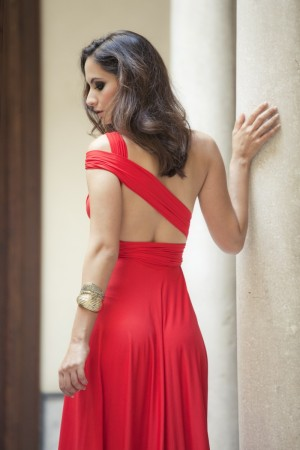 Vestido de Rojo Carmesí