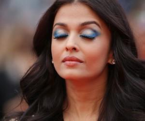 Detalle de las sombras ahumadas en azul de Aishwarya Rai.