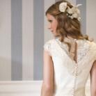 Peinado floral para novias de primavera-verano