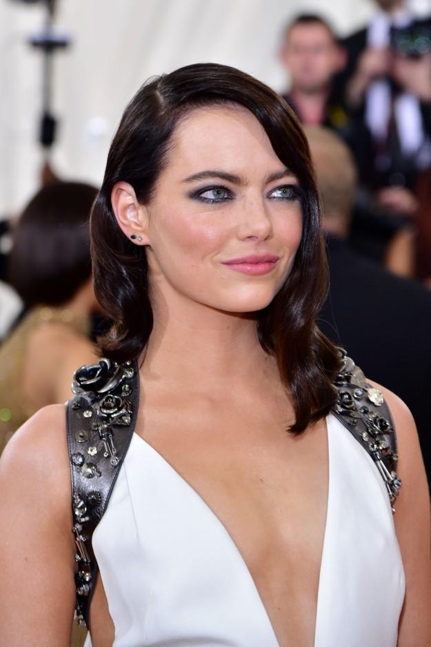 El look beauty de Emma Stone en la Gala MET.