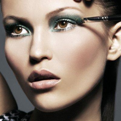 Cómo pintarte los ojos: 2 sombras seco o mojado, 2 acabados para brillar