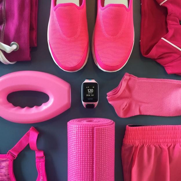 Con el nuevo reloj deportivo GPS TomTom Spark podrás, entre otras cosas, escuchar tu música preferida mientras haces deporte.