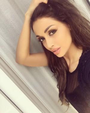 Una de las modelos detenidas, Elnaz Golrokh.
