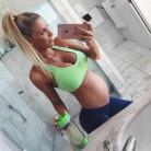 Una modelo criticada por estar muy delgada durante su embarazo