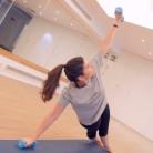 Yoga con pesas, una nueva forma de entrenar