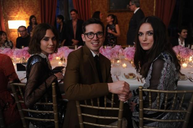Alexa Chung, Erdem Moralioglu y Keira Knightley.