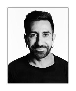 El sevillano Johnny Coca es el director creativo de Mulberry desde julio de 2015.