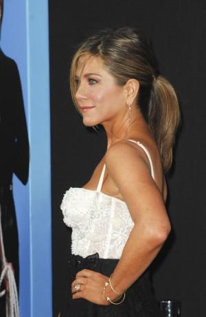 A los 47 años Jennifer Aniston luce unos brazos firmes, demostrando que se puede estar perfecta a cualquier edad.