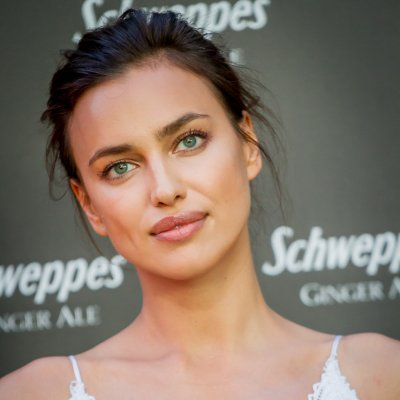 Copia el look beauty de Irina Shayk