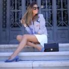 Marta Carriedo: La minifaldablanca