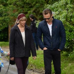 Desde el primer momento, Taylor Swift y Tom Hiddleston se han dejado fotografiar juntos.