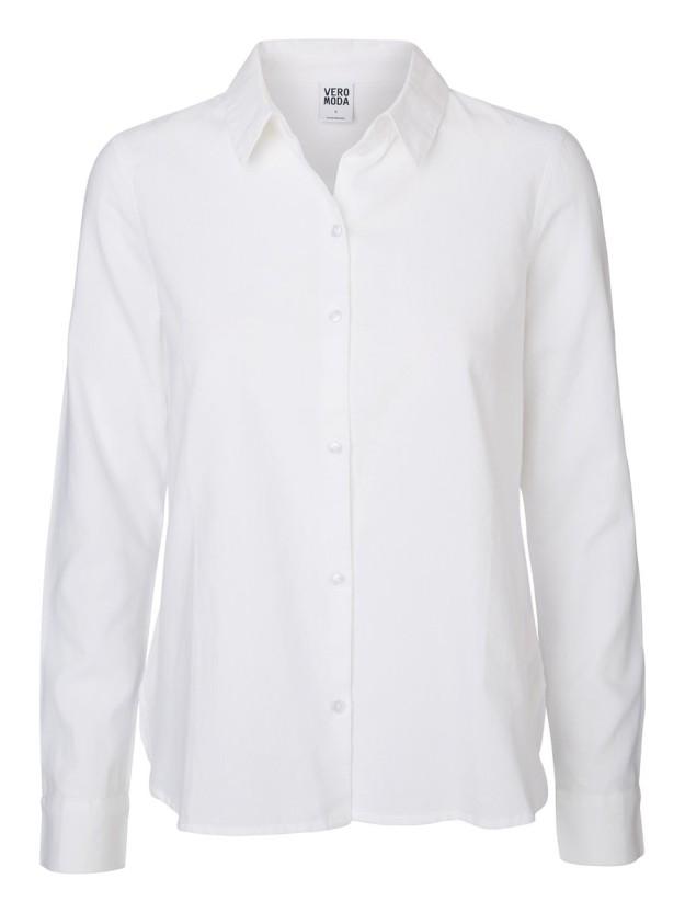 Camisa blanca. De Vero moda, 21, 95 euros.
