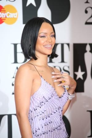 Rihanna es de las cantantes que mejor sonrisa lucen en cada photocall.