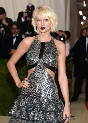 Swift ha acumulado la friolera de 170 millones de dólares en 2015.