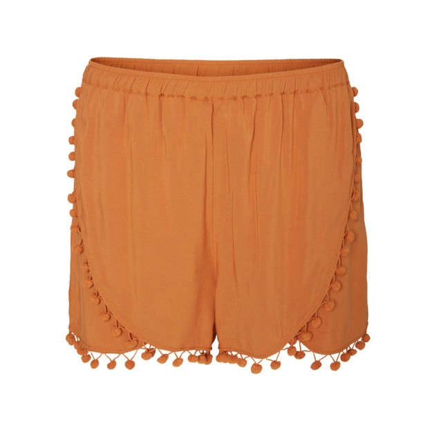 Tasseled shorts naranjas. De Vero Moda, 25,45 euros.