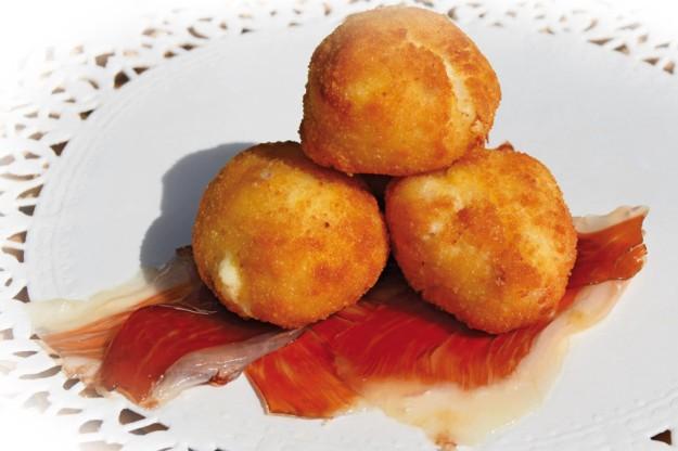 Croquetas gourmet y 100% caseras a domicilio. ¿A qué esperas para probarlas?