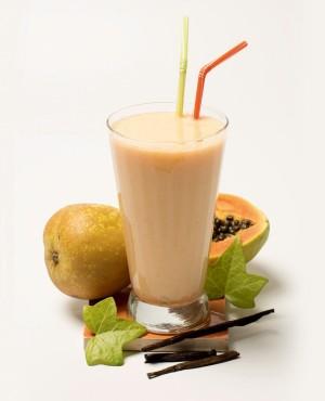 Smoothie, gracias a la acción de la papaya, pera y yogur natural nos limpiará por dentro y renovará.