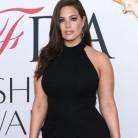 La modelo curvy Ashley Graham admite leer todos los insultos que recibe