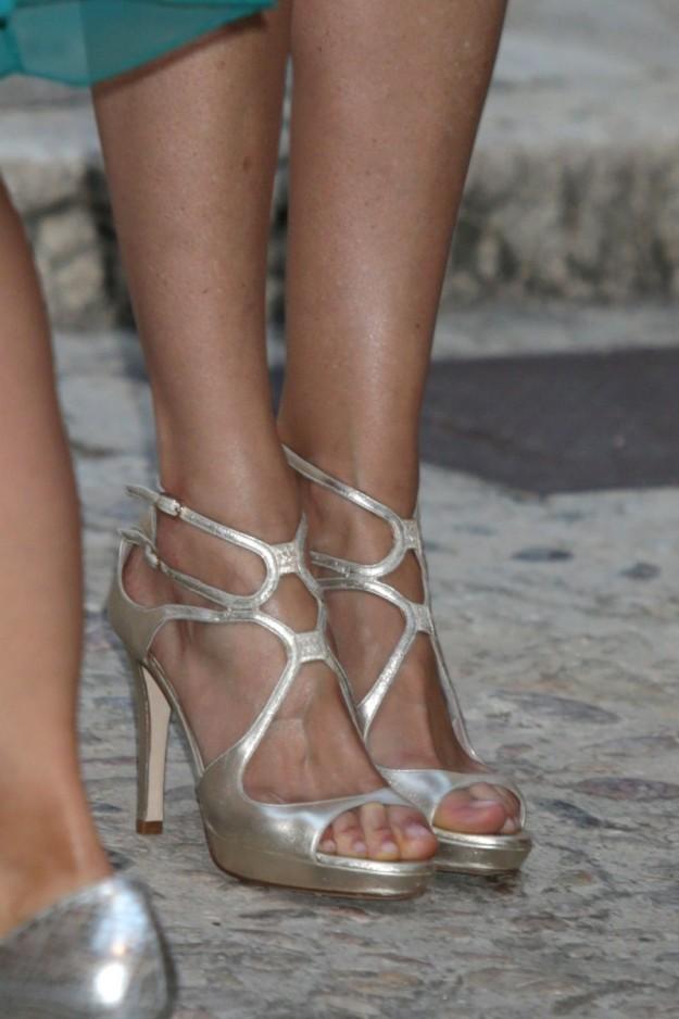 Las sandalias en plata de Letizia.
