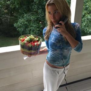 Tracy Anderson y una ensalada