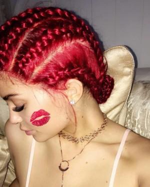 Las rastas rojas de Kylie Jenner