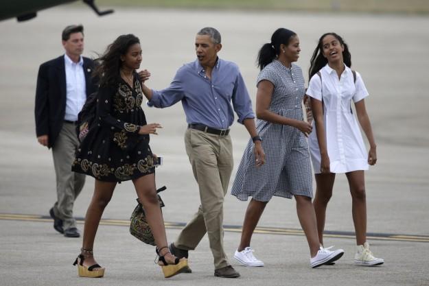 Los Obama terminan sus vacaciones y se enfrentan a la última etapa en la presidencia.