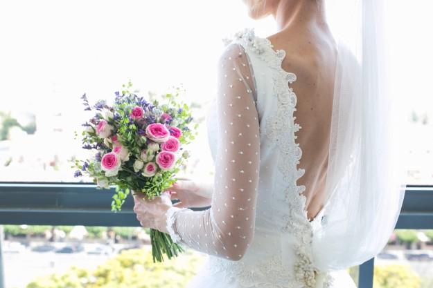 María acudió al diseñador Rubén Hernández para que crease el vestido de novia con el que siempre había soñado.