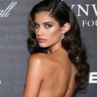 Sara Sampaio estalla contra la prensa después de ser fotografiada en topless