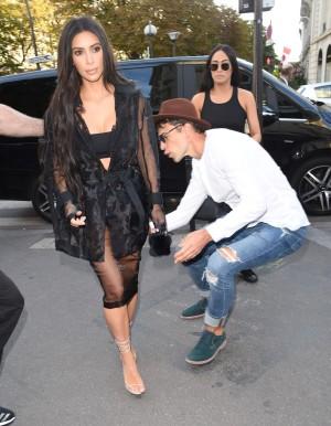 Kim durante su agresión en París