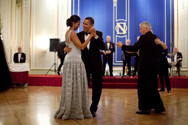 Imagen con la que Barack Obama felicitaba a su esposa por sus 24 años de matrimonio.