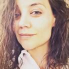 Katie Holmes ha sido la última en unirse al movimiento #NoMakeUp