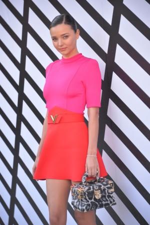 Miranda Kerr en la Semana de la Moda de París.