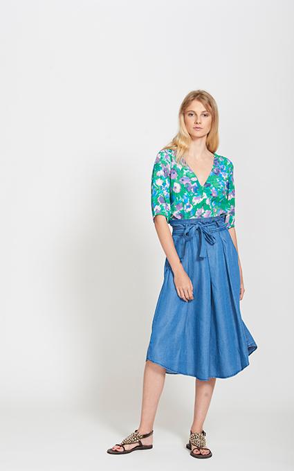 Print floral y falda midi