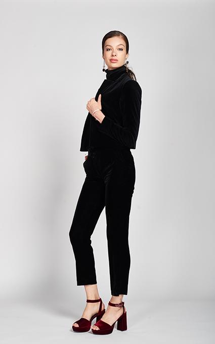 Black velvet trendy