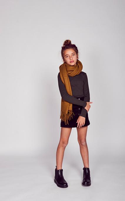 Bufanda and black style