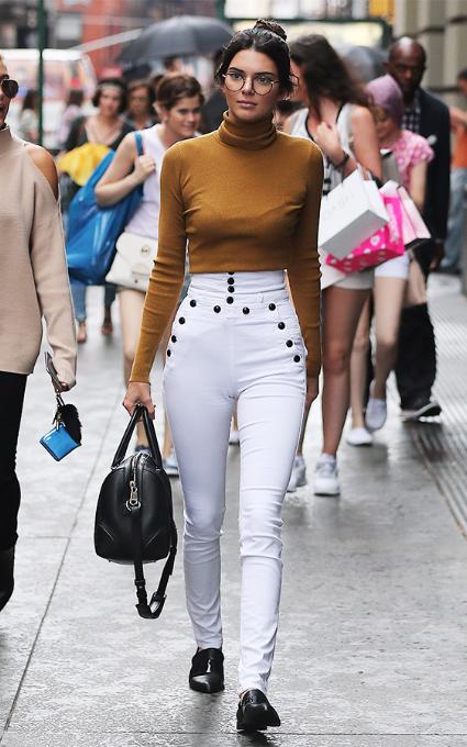 Kendall Jenner pantalones talle alto