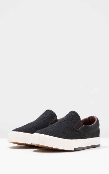 Zapatillas mocasín