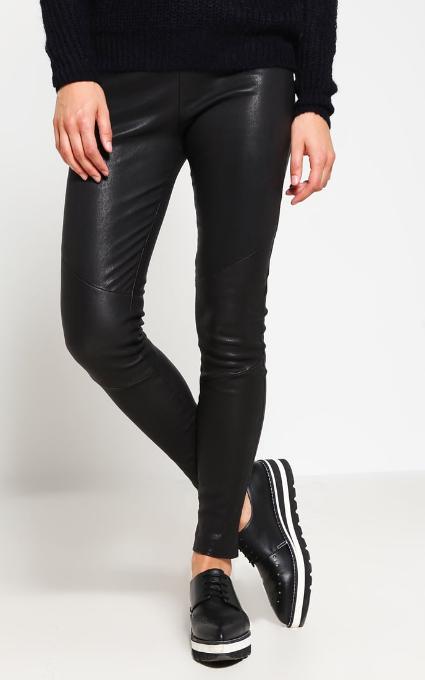 Pantalón cuero negro